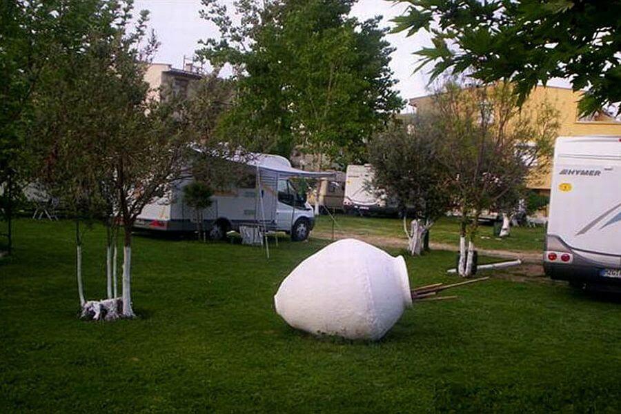 Caravan Camping Restaurant 3