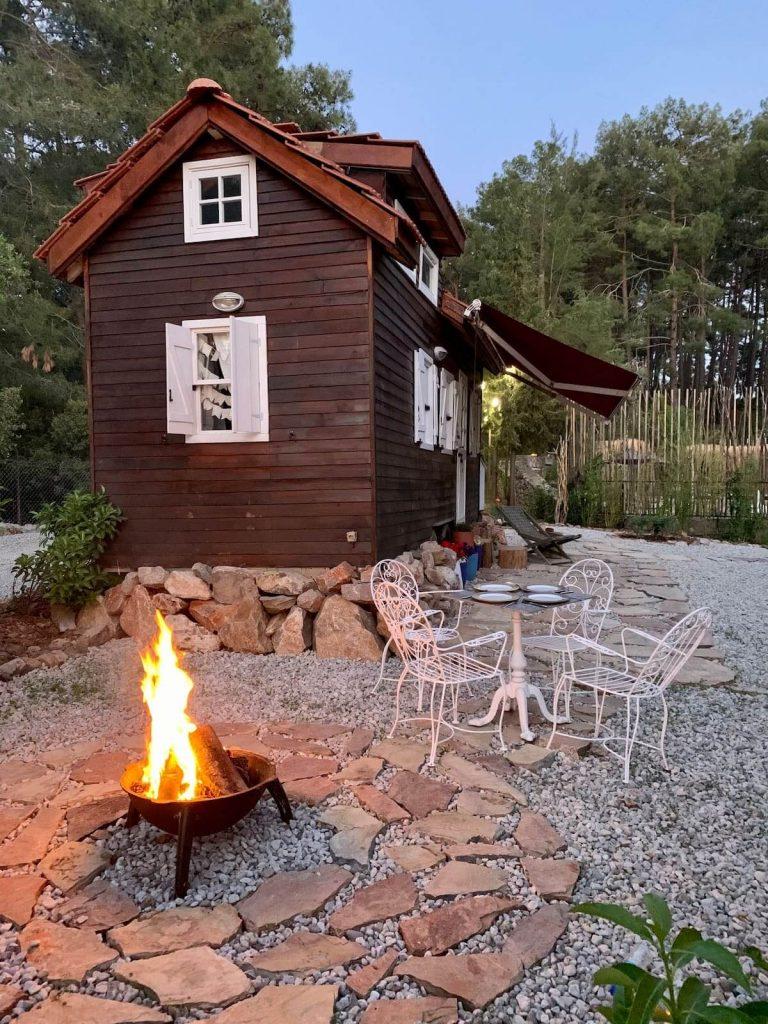 Charming Ecologic Tiny House 1