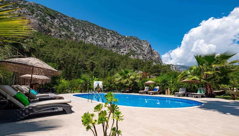 Portalimo Lodge Hotel 1