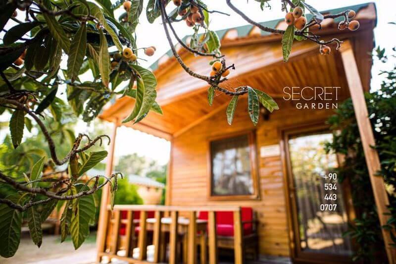 Secret Garden Hotel Bungalows 4