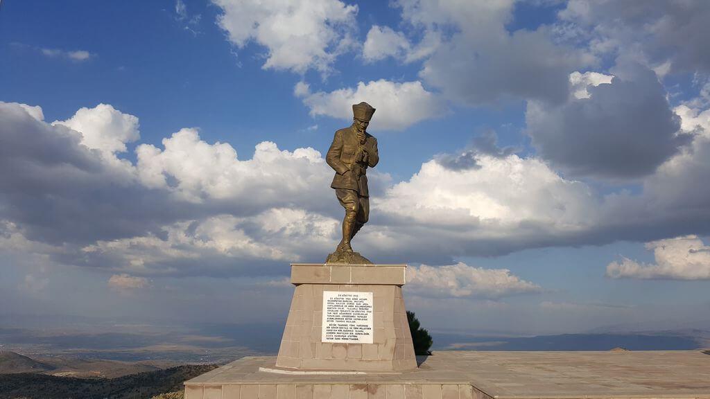 Başkomutan Tarihi Milli Parkı Kamp Alanı